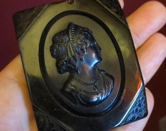 Vintage Victorian Mourning Black Celluloid Lucite Cameo Pendant