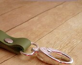 Green Leather Key Ring, Clip On Keyring, Moss Leather Keychain, Light Green Key Chain, Leather Key Fob, Purse Accessory, Leather Key Holder