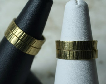 Hand hammered textured solid brass band ring, one piece (item ID RBV)