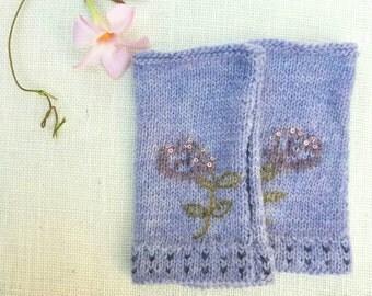 Handknit Pale Purple Wool Fingerless Gloves
