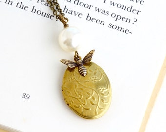 Bee Locket Necklace - Ivory Pearl Bee Necklace - Brass Locket - Patterned Locket - Picture Locket - Girlfriend Gift - Gift For Woman