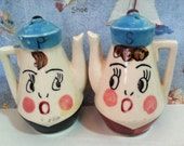 VERY RARE Vintage Retro 1950's Cartoon Mr and Mrs Teapot Couple Salt and Pepper Shakers Antique Collectibles or Cake Toppers