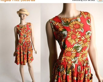 ON SALE Vintage Sunflower Print Dress - 1980s Bright Spring Flower Rayon Mini Dress - Small Medium
