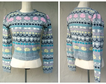 80s pullover sweater / flowers +bows / crop top sweater / preppy school girl / gray pink yellow aqua / puffy shoulders, womens sm-med