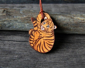 Baby tiger leather pendant - by Fanny Dallaire -  leather work