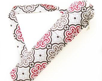 Yoga Mat Bag. Yogi Gift for Women. Yoga Tote Bag. Red Medallion Yoga Gym Bag. Yoga Mat Carrier. Yoga Mat Holder. Yogini Gift Idea. Yoga Gear