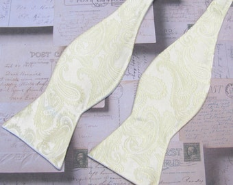 Free Style Mens Bow Ties. Pastel Yellow Paisley Self Tie Bowties