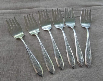 Set GORHAM Silver Forks MONOGRAM L Victory Silver Plate Dessert Forks Wedding Decorations Table Decor Ornate Silver Plate Forks Set of 6