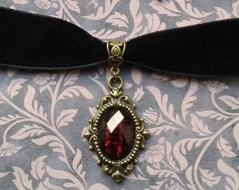 Gothic Lolita Bridal Black Velvet And Bronze Metal Black Jewel Filigree Pendant Choker