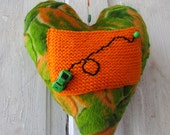 Quirky Plush Heart Messenger for Love notes and endearing gift items HEARTAROO MOBILE