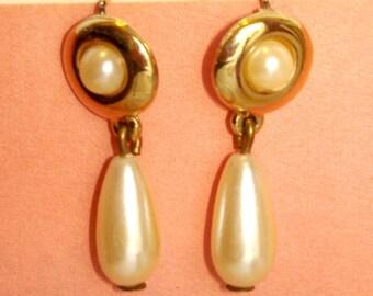 mod vintage pearl drops gold pierced earrings