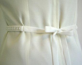 Ivory Beaded Velvet Sash, Bridal Belt, Hand Beaded Ivory Ribbon Sash, Womens Narrow Ribbon Belt, Velvet Wedding Belt, Bridesmaid Sash Belt