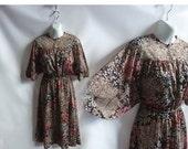 Vintage 70s Dress Size M Black Disco Angel Kimono Dolman Sleeve Floral Secretary 80s