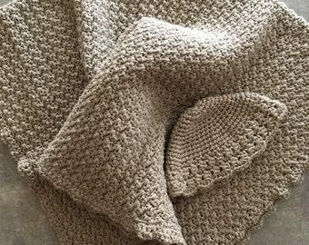 Crocheted organic cotton baby blanket and newborn hat set