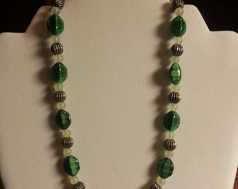 V015 Green Banded Glass Bead Necklace