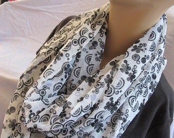 Black and White Floral Print Cowl/Circle Scarf/Infinity Scarf (5560)
