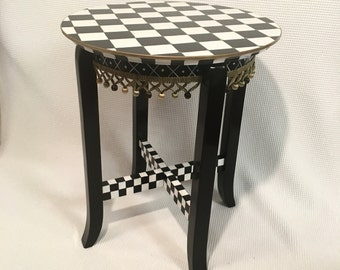 Whimsical Painted Furniture, whimsical painted table // whimsical painted furniture // painted furniture // painted table