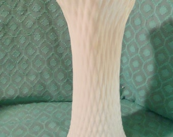 12 Inch Westmoreland Stretch Diamond Swung Vase