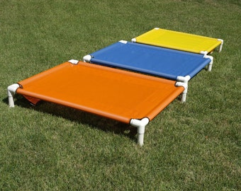 Pet Beds Outdoor Indoor PVC Raised Bed, Off The Ground Pipe Beds, Cat Beds, Waterproof 8 MESH Pet Screen Colors 28x36 Dogs Up To 80 Pounds.