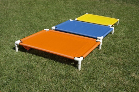Pet beds outdoor indoor pvc raised bed off by for Pvc cat bed