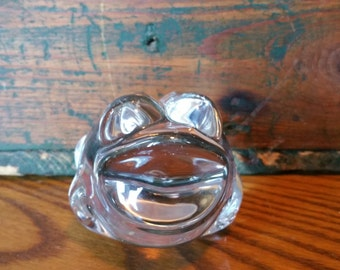 Vintage Glass Frog Paperweight