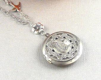 Silver Squirre Locketl, Squirrel Necklace, Silver Squirrel, Squirrel ,Silver Locket Necklace,Squirrel Jewelry