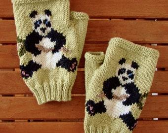 Panda PDF KNITTING PATTERN for Panda fingerless gloves/mitts - to be hand knitted