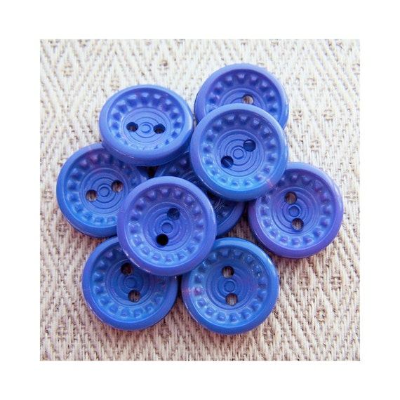 Retro Flower Buttons, 15mm 5/8 inch - Periwinkle Blue Plastic Floral Buttons - 9 VTG NOS Fun Blue Sewing Buttons for Kids PL284