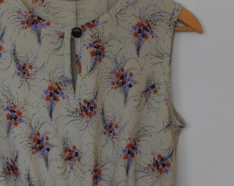 floral sprays...vintage fabric loose fit dress with side seam pockets
