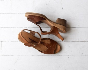 Soleil tooled leather sandals | leather 70s t-strap sandals | vintage 1970s wedges