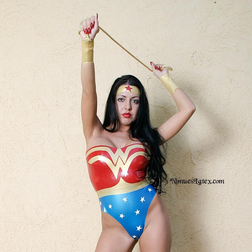 Wonder woman the return of wonder woman-1431