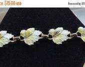 "On Sale Pretty Vintage Yellow Leaf Bracelet, Gold tone, 7-1/3"""