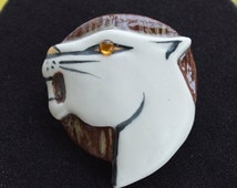 On sale Pretty Vintage Lion, Animal Brooch, Porcelain, Enamel (AJ11)