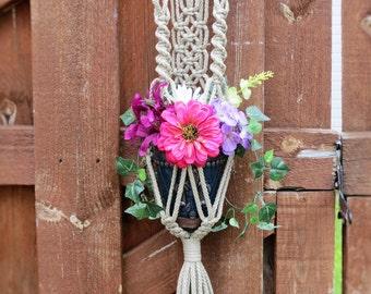 Short Plant Hanger - Short Macrame Plant Hanger - Small Plant Hanger - Flower Pot Hanger - Short Plant Stand - Boho Planters - Gift Ideas
