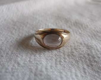 Vintage 10K yellow gold and moonstone ring size 6
