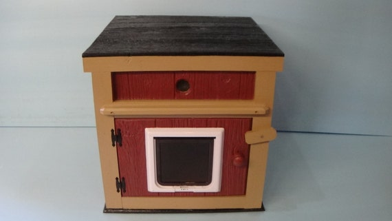 Large Heated Outdoor Cat House/Lg Door/Ultimate Heat (Ships Next Bus. Day)