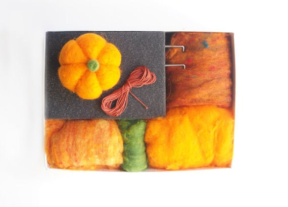 Pumpkin Needle Felting Kit - Needle Felted Pumpkin Kit - Beginner Starter Kit - DIY Craft Kit - DIY Home Decor - Fall