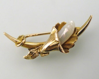 Yellow Gold Calla Lily Inspired Brooch with Mississippi River Pearl Accent, Circa 1910 (A855)