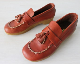 Vintage 1970s Leather Loafers Slip Ons Tassels / Thick Rubber Soles / Size 6.5M Euro 37 UK 4.5 / Sebago Shoes