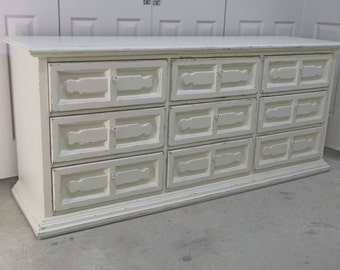 Bassett Triple Dresser, Distressed White Cottage Style  - DR106 Shabby Farmhouse Distressed Chic