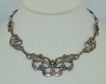 Lovely Art Nouveau Sterling Silver Necklace