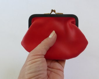 1950s Red Coin Purse Kisslock Frame