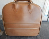 Vintage ColonialTan Bowling Bag With Gold Piping