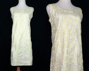 1960s Yellow Eyelet Embroidered Shift Dress Sleeveless Small Medium Mod