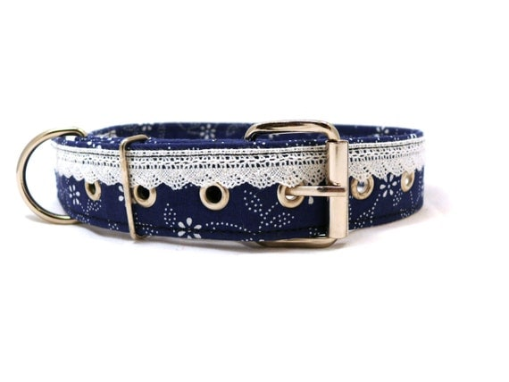 Blue floral dog collar - Lacy dog collar - Metal buckle dog collar - Dyed blue white lace decorated adjustable dog collar with metal buckle