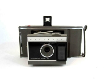 Vintage Polaroid Land Camera Model J66. Circa 1960's.