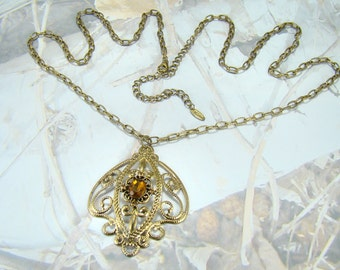 Vintage VCLM Beauty Looooong Vintage Necklace Topaz Elegant Scrolling Pendant Very Nice Chain