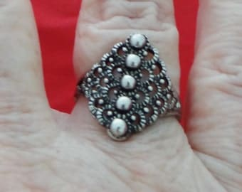 Vintage NOS new old stock silver tone ring in unworn condition, sizes available 8, 8.25, 8.75