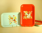 Vintage metal tray, aqua green or red, 1 tin litho stacking tray, like new flowered tray, mid-century kitschy cottage decor, summer bouquet