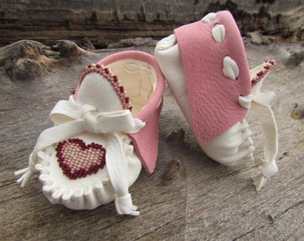 Baby Moccasins By Desi, Beaded Heart, Valentine's Day Gift, White, Pink leather, 3/6 months, Girl, Infant,  dress shoes, Boho, Hippie, Love